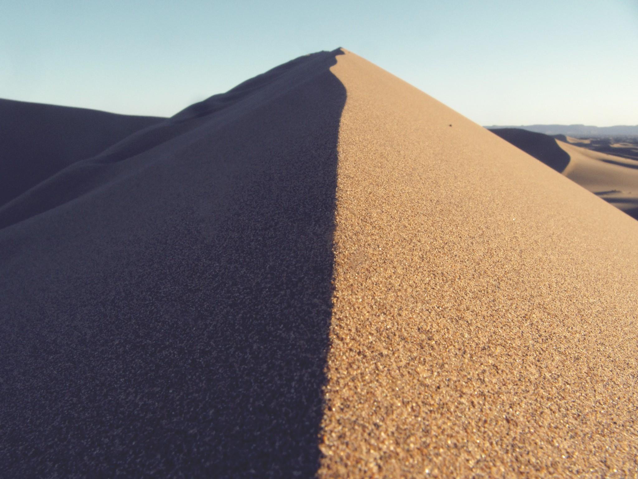 landscape-sand-desert-dune-sand-dune-symmetrical-182-pxhere.com