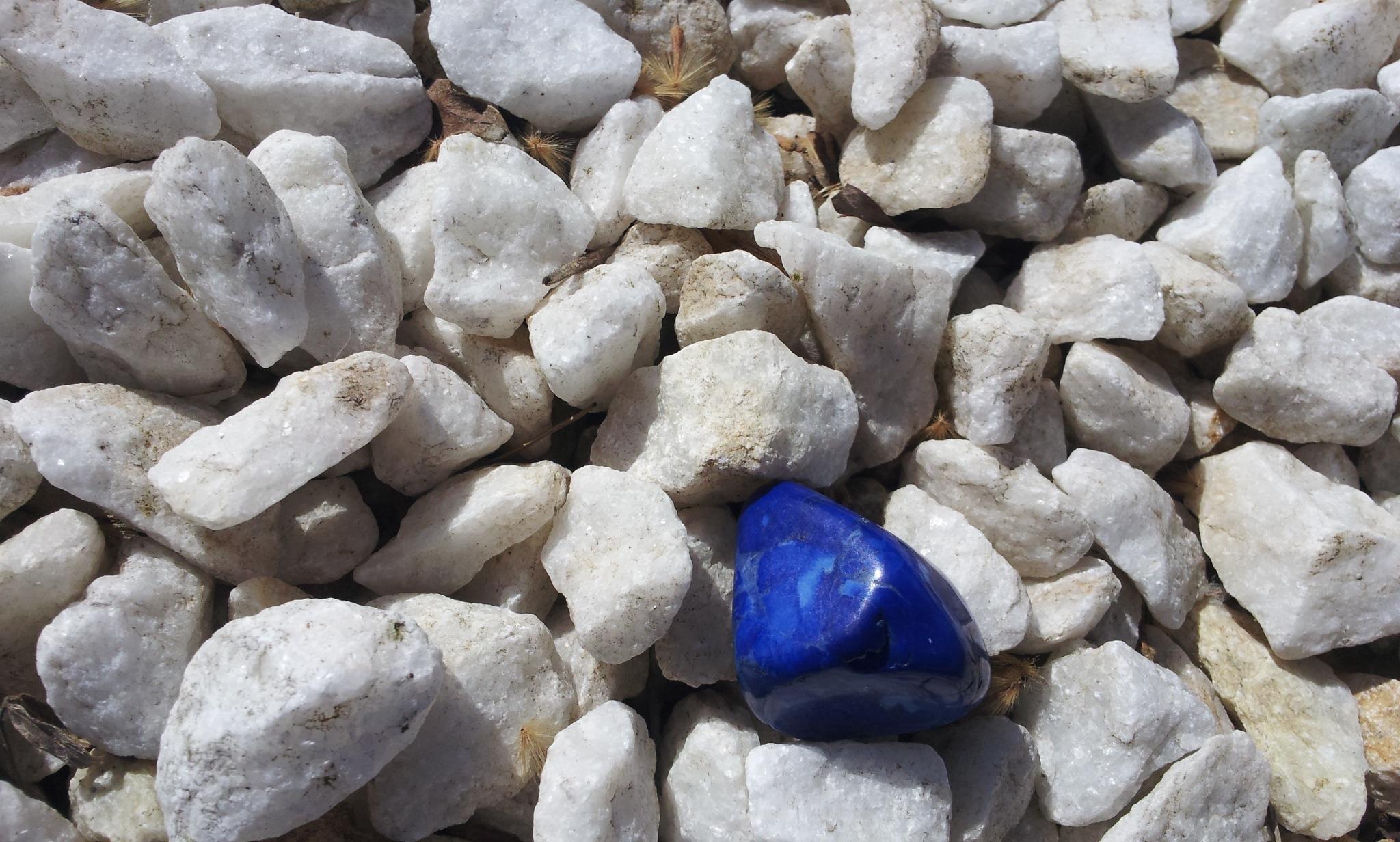 rock-petal-stone-pebble-blue-material-1351736-pxhere.com